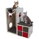 直線×曲線×赤×灰色なキャットタワー