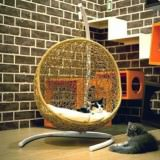ゆらゆら揺れるゆりかごみたいな猫ハウス