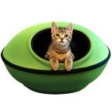 近未来的なデザインの猫ハウス
