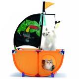 船のかたちの猫ハウス