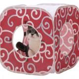 唐草模様の猫のプレイキューブ