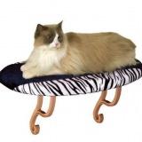 窓辺のひなたぼっこを簡単に実現できる猫ベッド