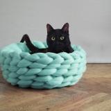 編み編みネコベッド
