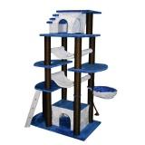 古代ギリシアの神殿のように荘厳なデザインのキャットタワー