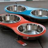 カラフルな曲線デザインの食器台