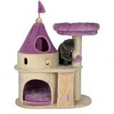童話に出てくるお城のような可愛いキャットハウス