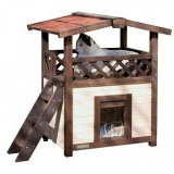ヴィンテージ感溢れる木製のキャットハウス
