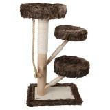 もこもこした毛足の長いファー付きの小型キャットタワー