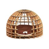 南アフリカの伝統的な小屋をモチーフにしたドーム型の木製キャットハウス