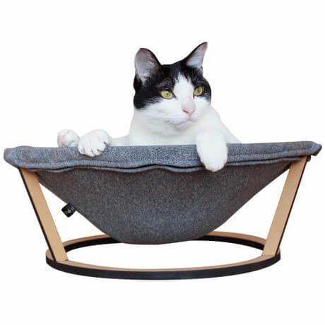 ミニマルな猫用ハンモック
