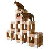 ブロックを組み合わせて作る巨大な猫用アスレチック