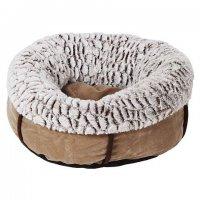 ぬくぬくで暖かそうなドーナツ型のキャットベッド