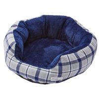 丸くなってくつろぐのに最適なふんわり素材のキャットベッド