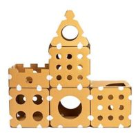 ダンボール製のパーツを組み合わせて作るキャットタワー