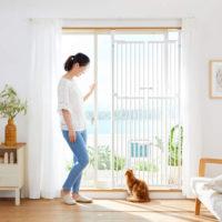ドア付きで通りやすい猫用脱走防止フェンス