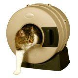 ぐるぐる回すだけで自動的に掃除ができる猫トイレ